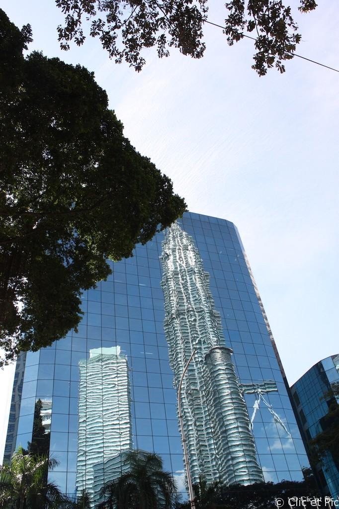 Reflet des tours Petronas - Kuala Lumpur