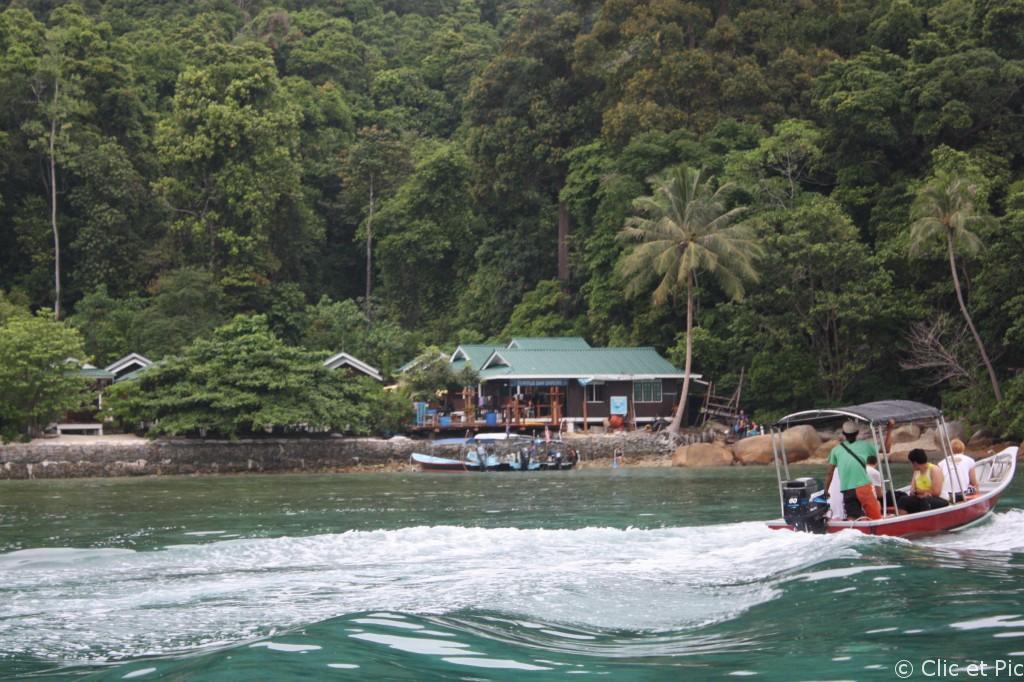Perenthians - Arrivée sur l'île