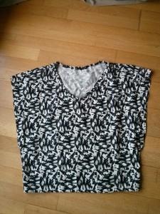 T-shirt décontracté et géométrique